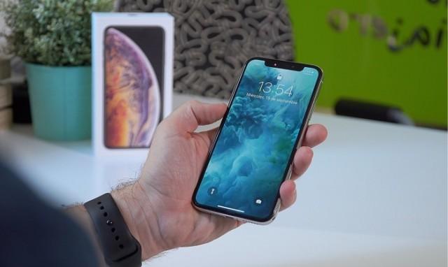 The 2020 iPhones will have Larger Sizes and OLED Screens.