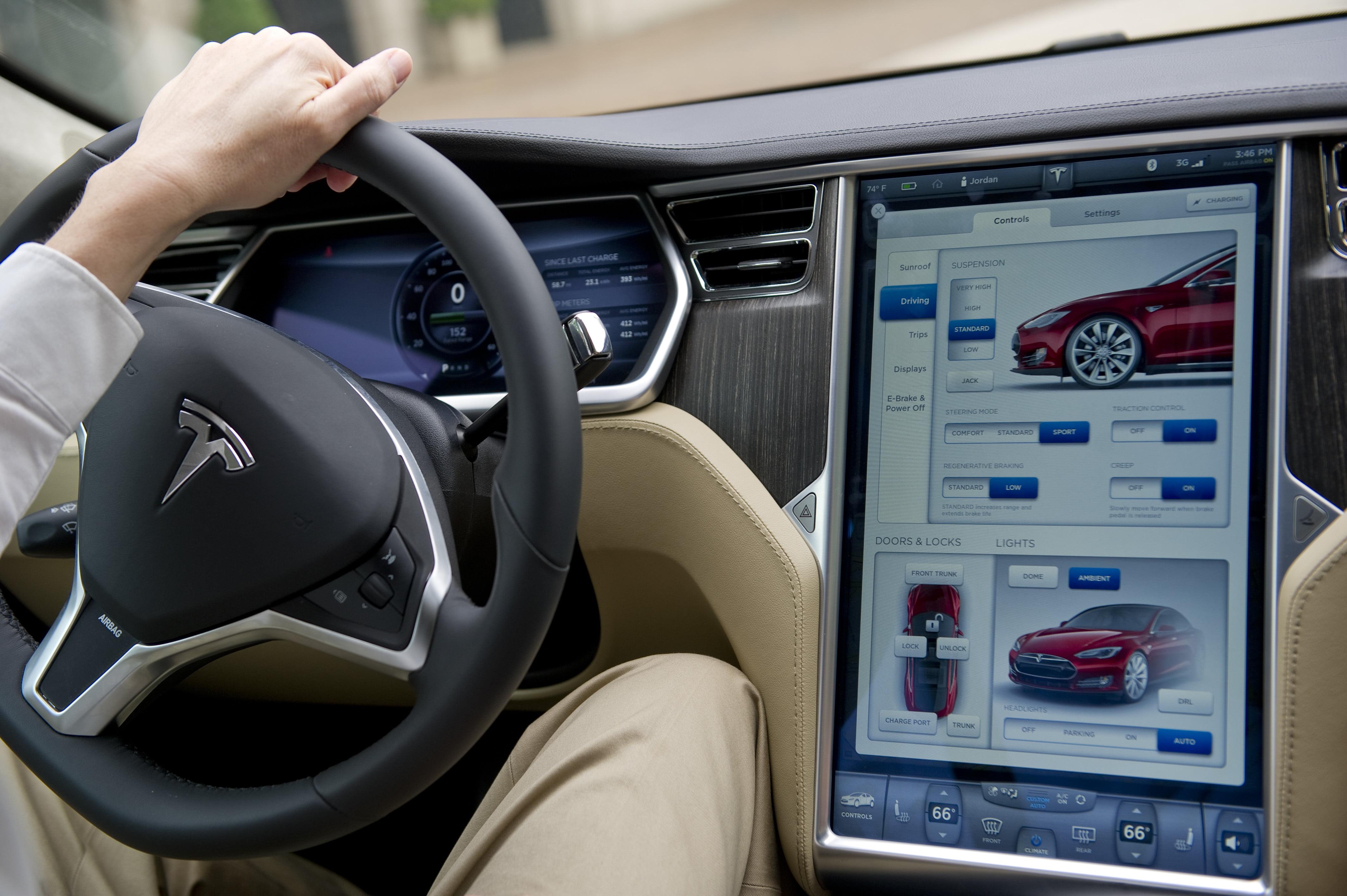 Tesla screens