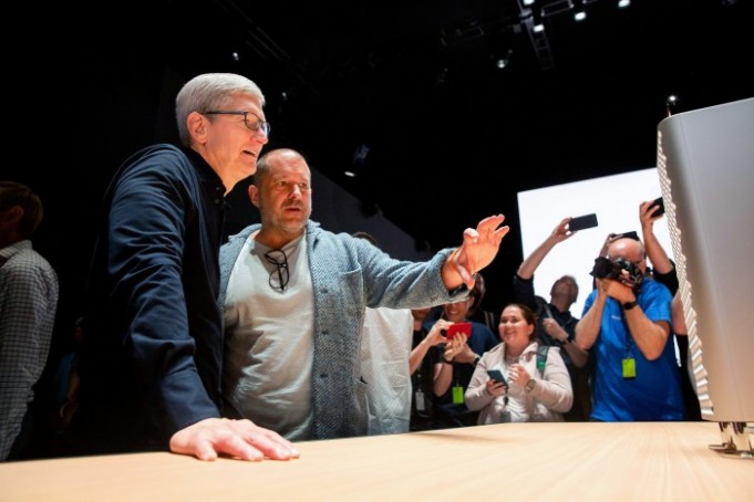 What is behind the Departure of Jony Ive from Apple?