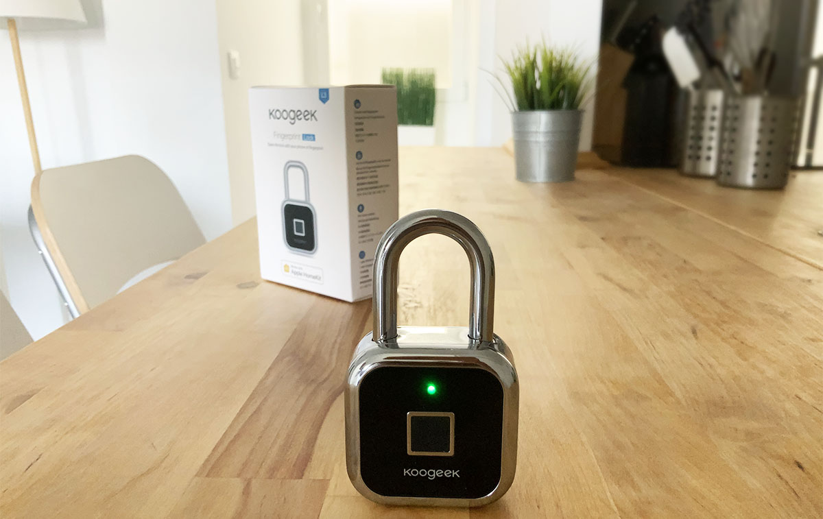 padlock with fingerprint sensor