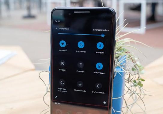 Dark theme on Android 10