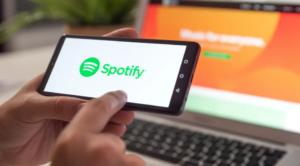 Spotify Keeps Pausing