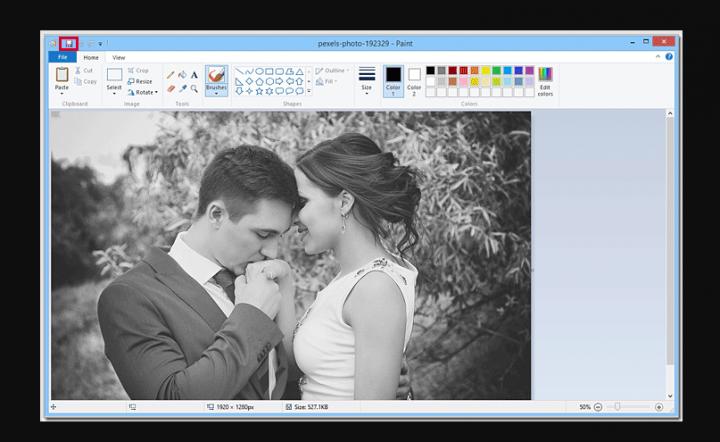 Make A Picture Black And White In Windows 10